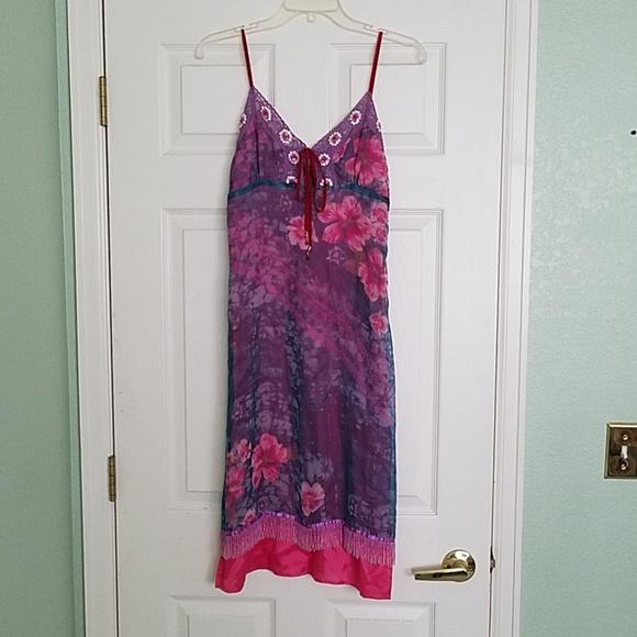 jane doe Dresses & Skirts - Stunning purple floral dress